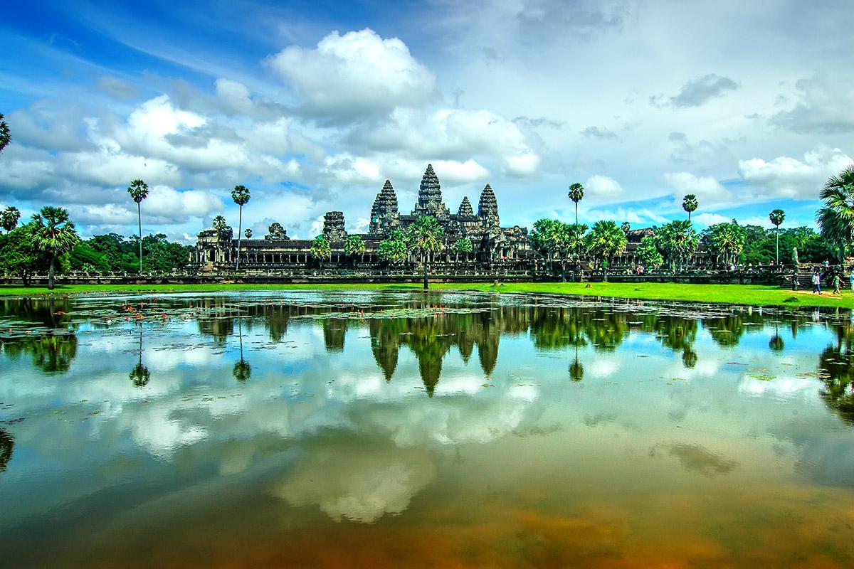 Cambogia, nella terra dei sorrisi